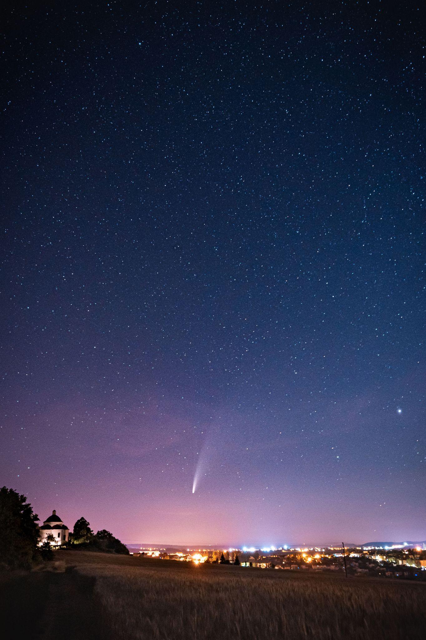 Kometa Neowise nad Rosicemi